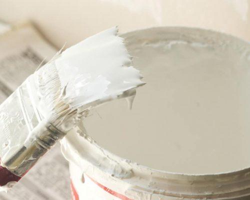Lys maling på malerpensel